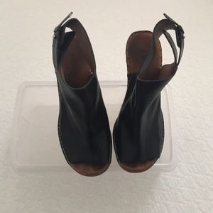 Chloe Black and Tan Leather Wedge Sandals, 39